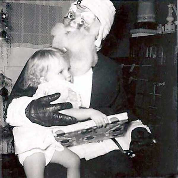 awkward-santas-from-the-past (21)