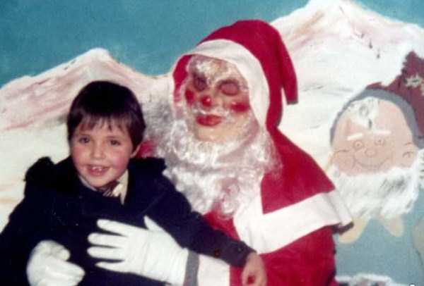 awkward-santas-from-the-past (24)