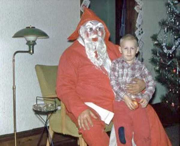 awkward-santas-from-the-past (7)