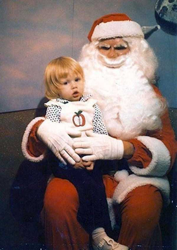 awkward-santas-from-the-past (8)