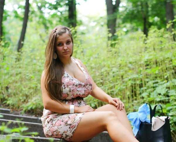 busty-girls (23)