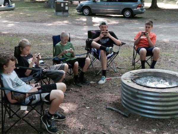funny-camping-photos (34)