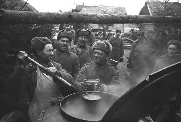 soviet-troops-wwii (1)