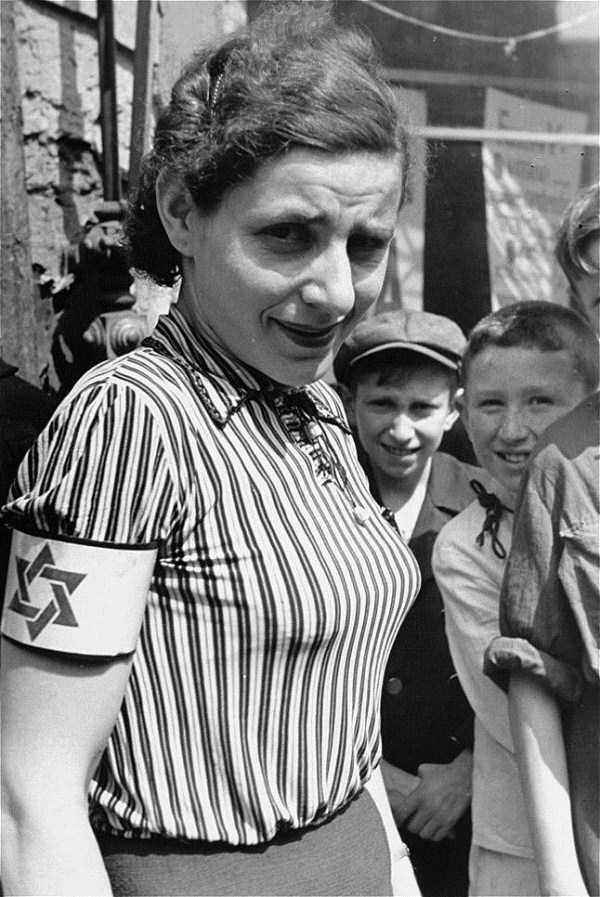 Warsaw-ghetto-1941 (3)