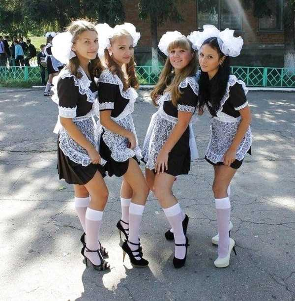 cute-russian-girls-in-sexy-school-uniforms (13)