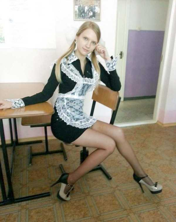 cute-russian-girls-in-sexy-school-uniforms (15)