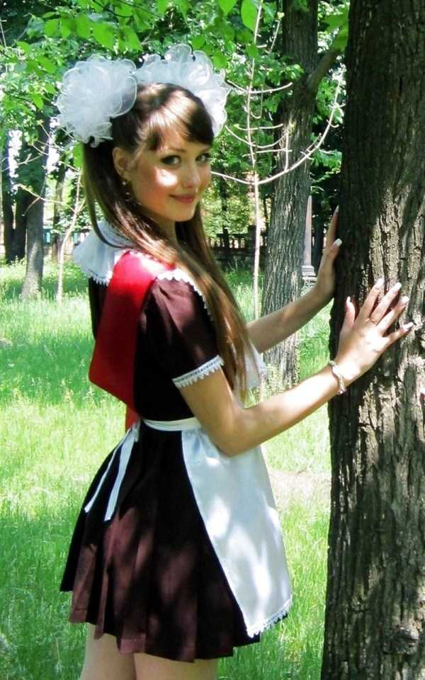 cute-russian-girls-in-sexy-school-uniforms (24)