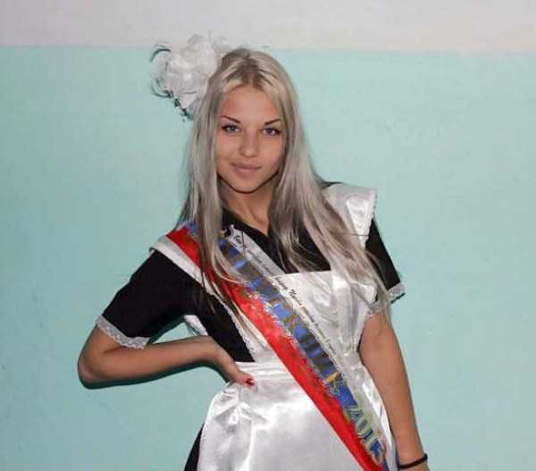 cute-russian-girls-in-sexy-school-uniforms (30)