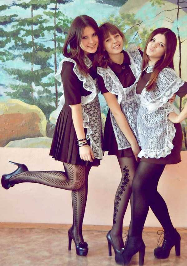 cute-russian-girls-in-sexy-school-uniforms (32)