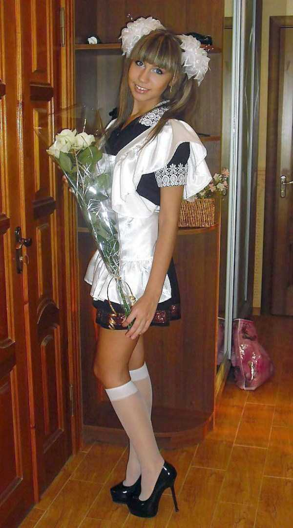 cute-russian-girls-in-sexy-school-uniforms (35)