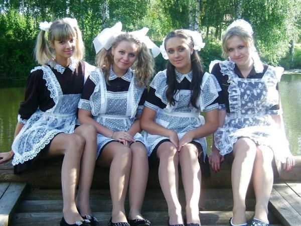 cute-russian-girls-in-sexy-school-uniforms (50)