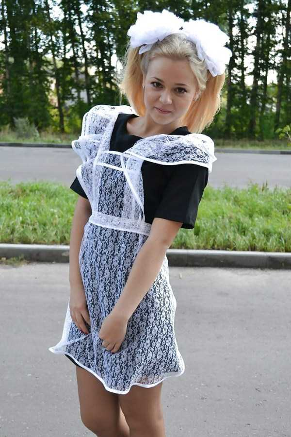 cute-russian-girls-in-sexy-school-uniforms (54)