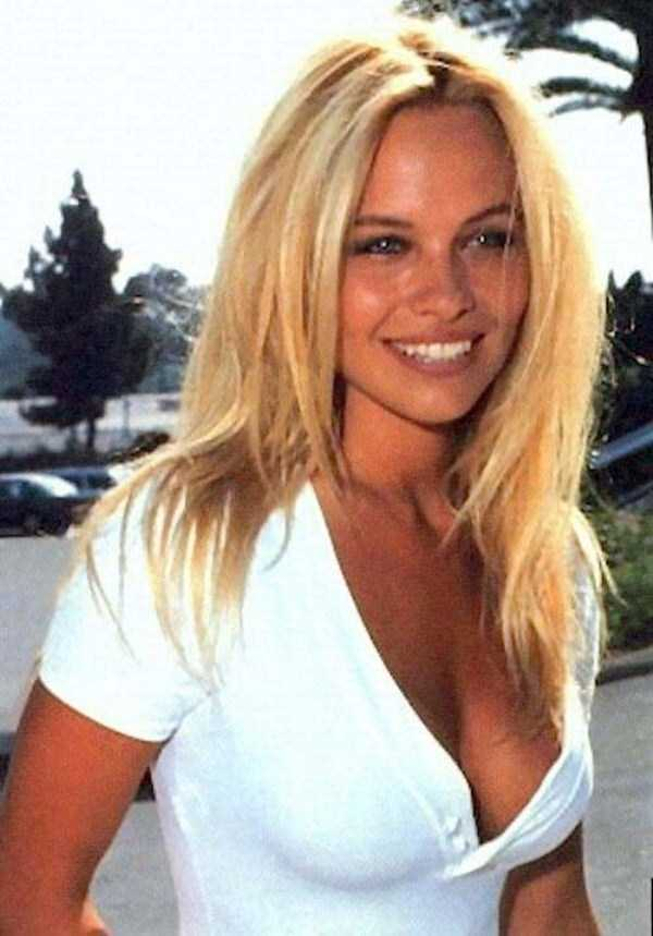 young-pamela-anderson-pictures (1)
