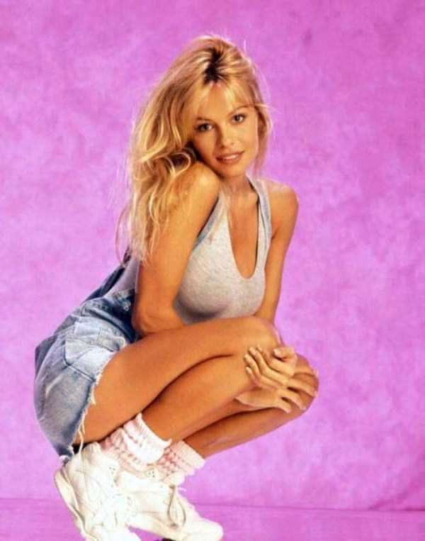 young-pamela-anderson-pictures (11)