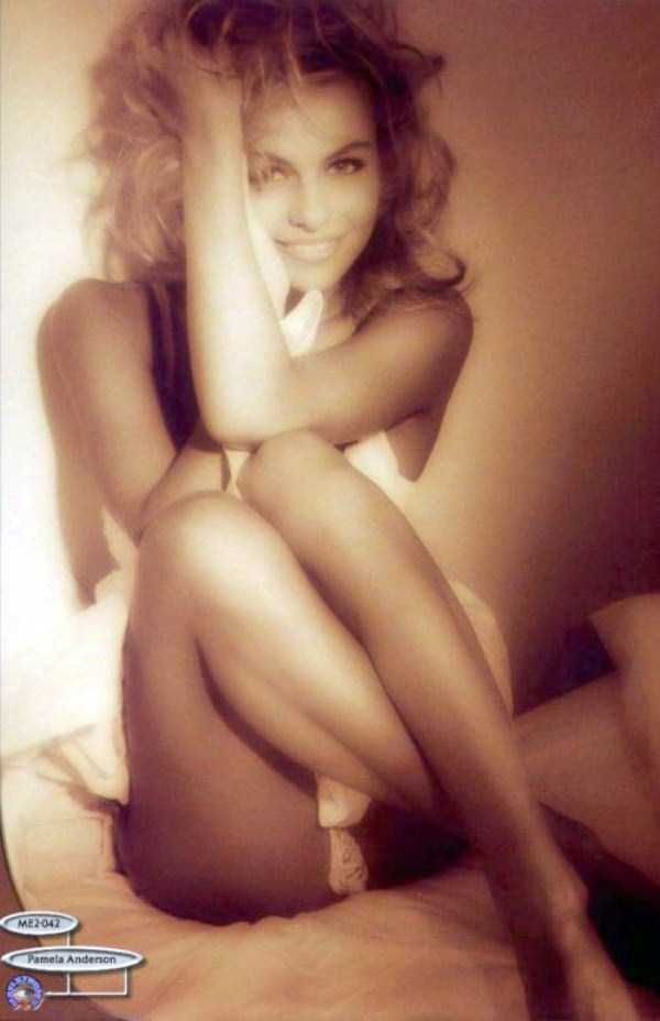 young-pamela-anderson-pictures (22)