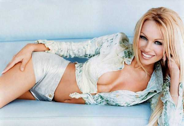 young-pamela-anderson-pictures (3)