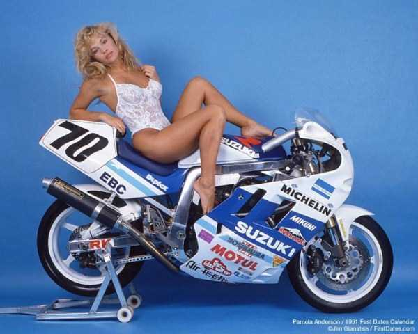 young-pamela-anderson-pictures (37)