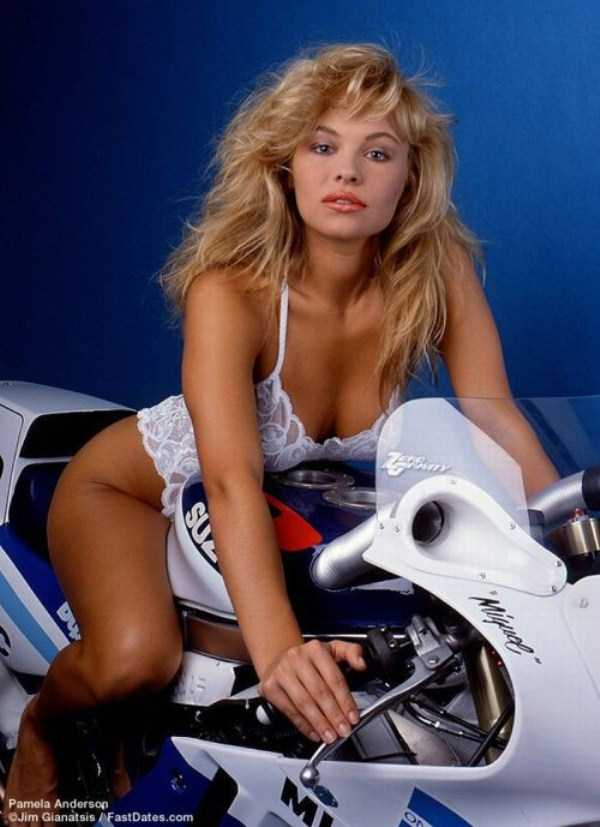 young-pamela-anderson-pictures (38)