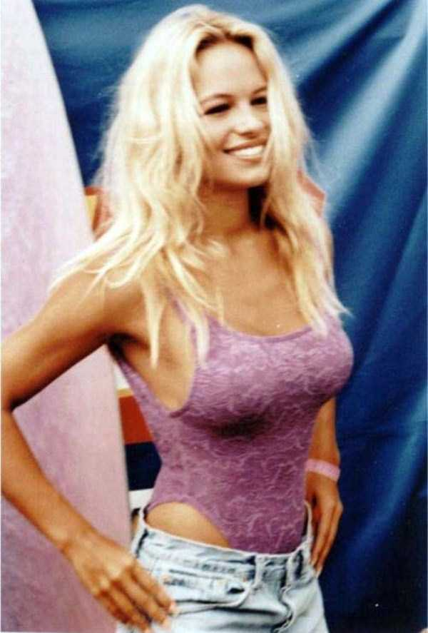 young-pamela-anderson-pictures (9)