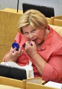 politicians-having-fun-russian-parliament (19)