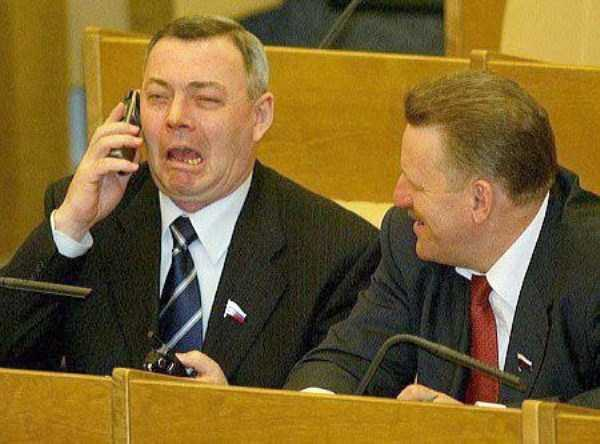 politicians-having-fun-russian-parliament (20)