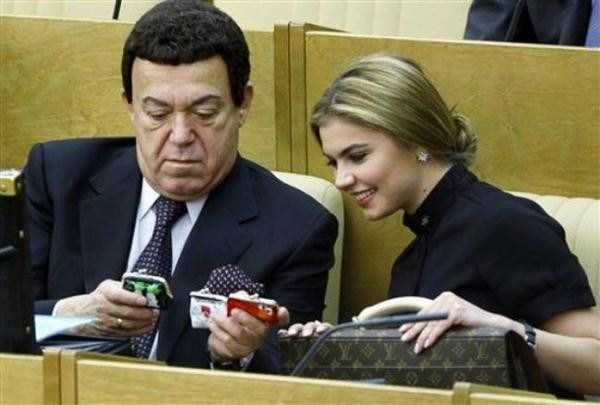 politicians-having-fun-russian-parliament (25)