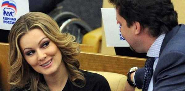politicians-having-fun-russian-parliament (6)