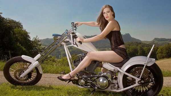 sexy-girls-on-bikes (1)