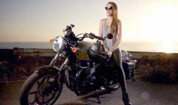 sexy-girls-on-bikes (10)