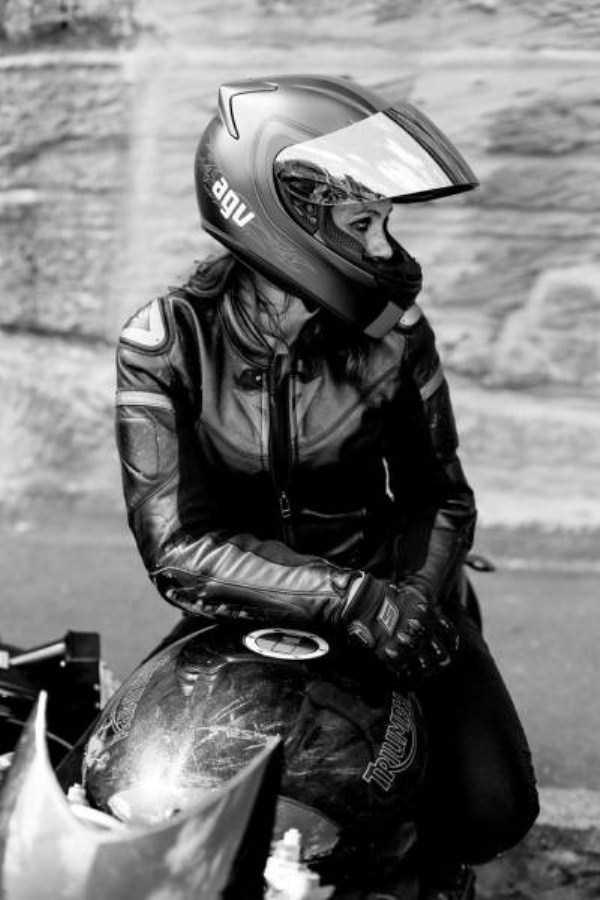 sexy-girls-on-bikes (11)
