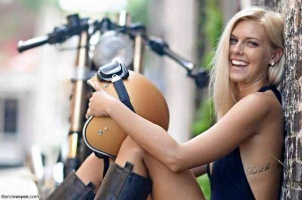 sexy-girls-on-bikes (26)
