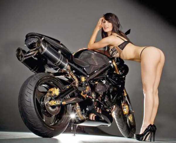 sexy-girls-on-bikes (35)