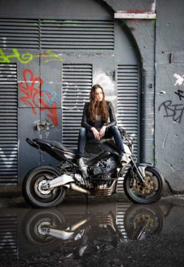 sexy-girls-on-bikes (48)