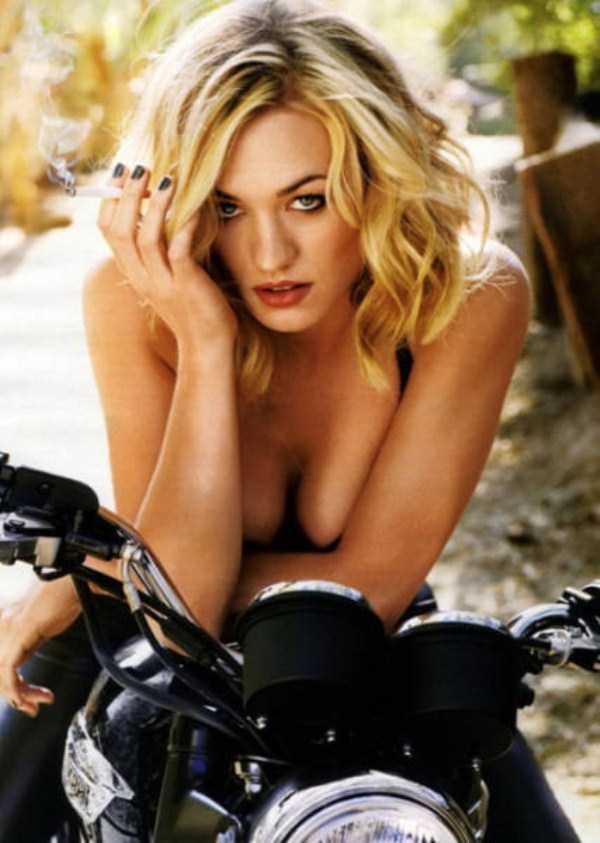 sexy-girls-on-bikes (49)