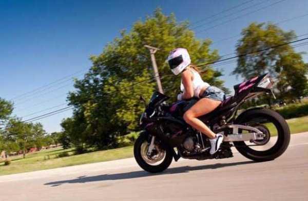 sexy-girls-on-bikes (50)