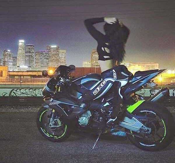 sexy-girls-on-bikes (52)