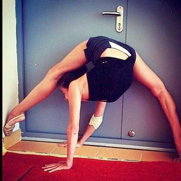 bendy-flexible-girls (11)