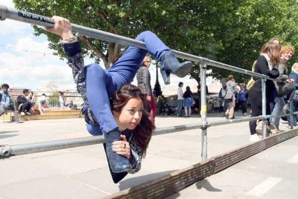 bendy-flexible-girls (12)