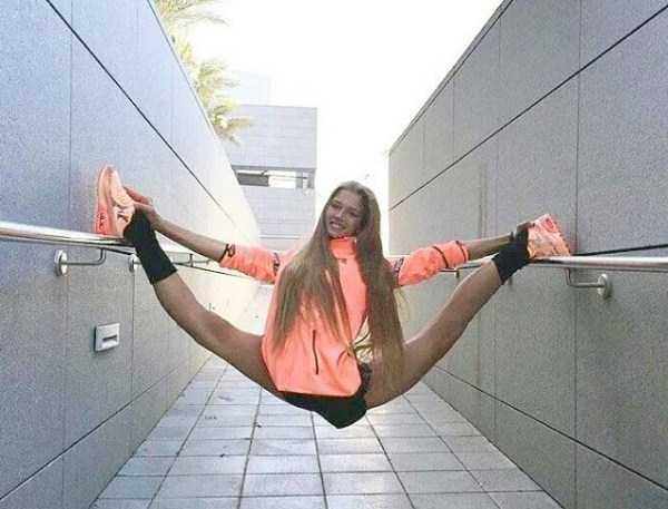 bendy-flexible-girls (14)