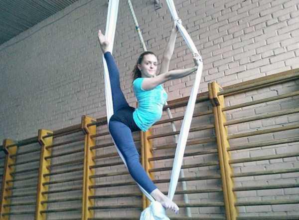 bendy-flexible-girls (24)
