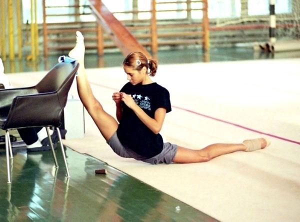 bendy-flexible-girls (26)