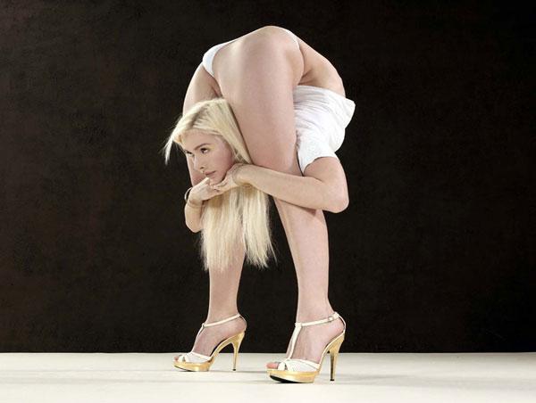 bendy-flexible-girls (27)