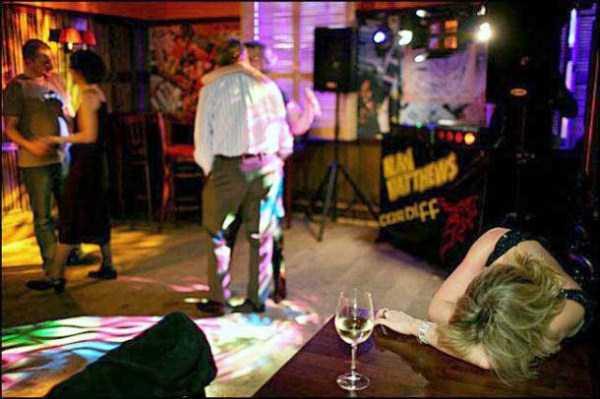 drunk-british-youth (4)