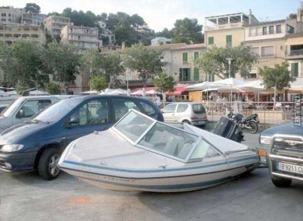 funny-parking-situations (17)