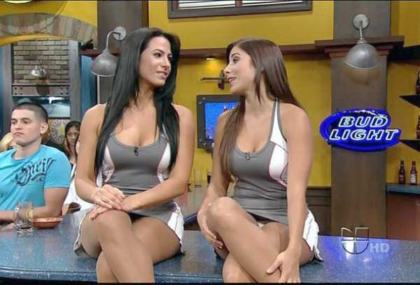 hot-sexy-female-tv-news-anchors (11)