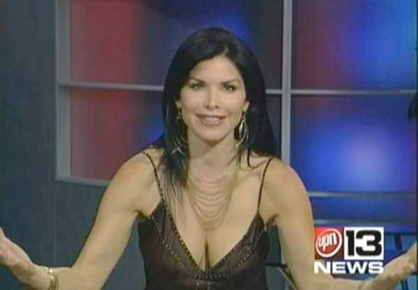 hot-sexy-female-tv-news-anchors (25)