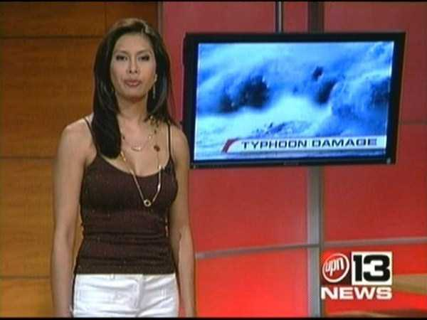 hot-sexy-female-tv-news-anchors (30)