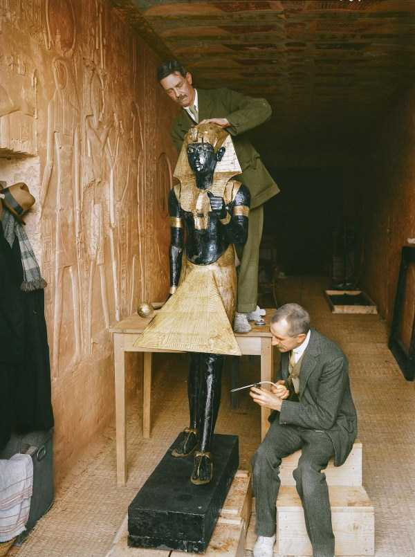 king-tut-tomb-color-pics (21)
