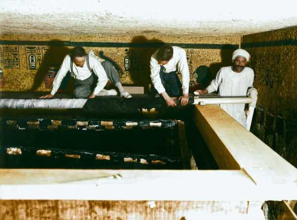king-tut-tomb-color-pics (3)