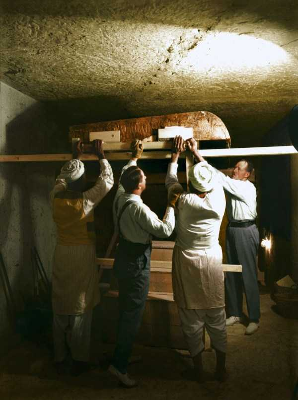 king-tut-tomb-color-pics (9)